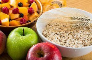 храни с фибри, ябълки, плодове и овесени ядки