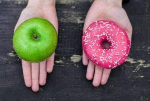 ябълка и поничка избор
