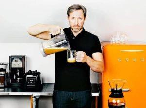 Дейв Аспрей, кафе, хладилник