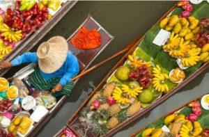 лодки с плодове